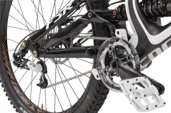 2013-Specialized-Demo8-Carbon-DH-mountai
