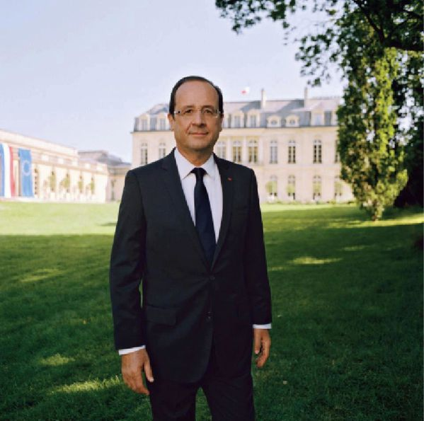http://a402.idata.over-blog.com/600x595/0/13/58/83/BLOG/Portrait-officiel-Francois-Hollande-president-de-la-republi.jpg